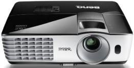 BenQ TH681 Full HD 3D DLP-Projektor (144Hz Triple Flash, 1920x1080 Pixel, Kontrast 13.000:1, 3000 ANSI Lumen, HDMI, 1,3x Zoom) schwarz -