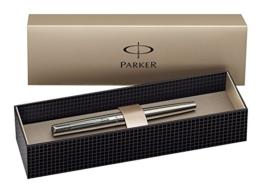 Parker S0161590 Jotter Füllfederhalter (edelstahl mit Chromeinfassung, mittlere Schreibfeder, Geschenkbox) -